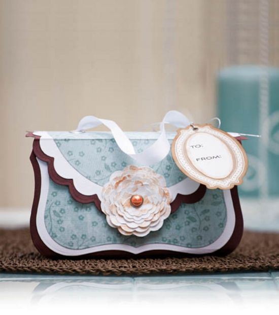 Super cute paper purse - perfect for a gift or party favor! @Spellbinders #diy #wedding