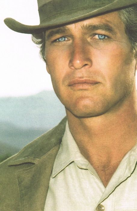 Paul Newman...my goodness he was handsome!! Those eyes ... *Sigh*