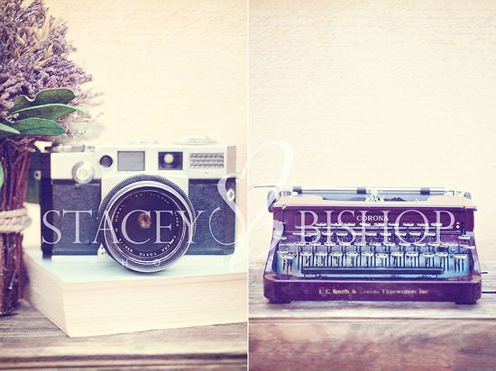 Free full size Vintage Camera and full size Vintage Typewriter Printables