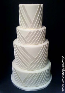 Pleated Wedding Cake    #WeddingCakes #Weddings