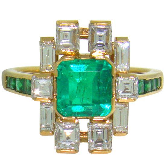 18K Yellow Gold, Emerald & Diamond ring.. 1950's