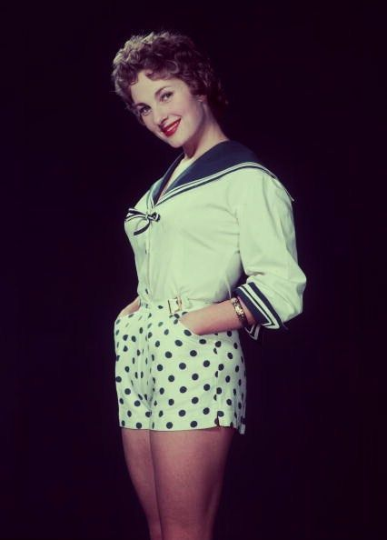 A darling mid-50s nautical inspired look. #shorts #polka_dots #nautical #vintage #fashion #1950s