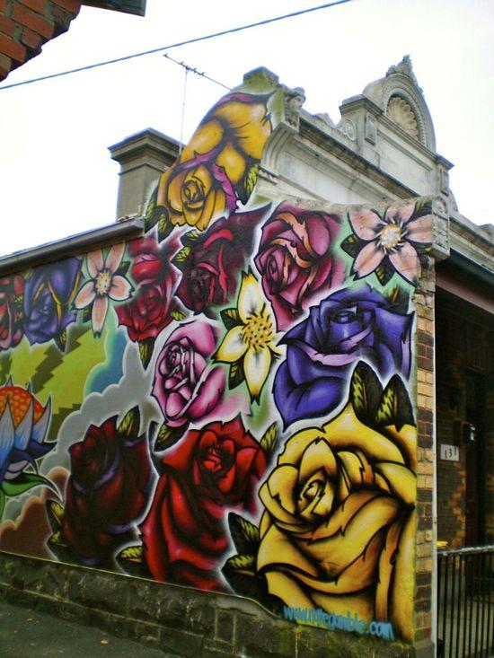 ?? roses. Street art 000