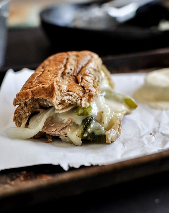 Homemade Chicken Cheesesteaks - use whole wheat buns, chicken breasts + lots of veggies for a healthy spin! I howsweeteats.com