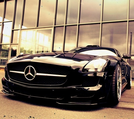 Exquisite Mercedes SLS. Win a Mercedes supercar experience by clicking on this cool image