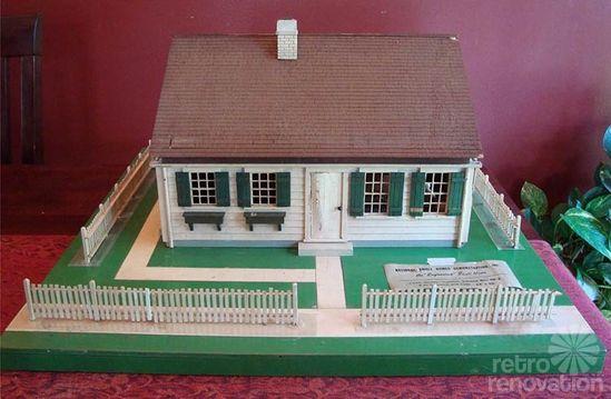 """Tom Thumb"" American Dream House - a 720 s.f. design in a 1940 builder's model"
