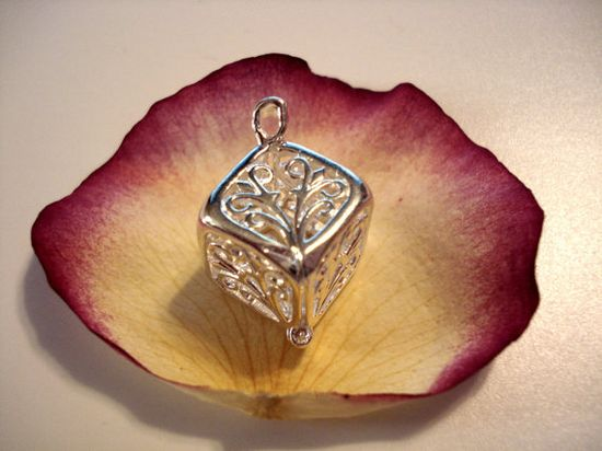 Pick A Pearl Cage Silver Plated Square Box Tree Scroll Work Design Bead Gem Cage