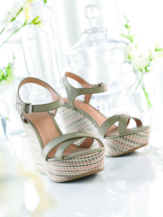 lc lauren conrad collections wedge heels