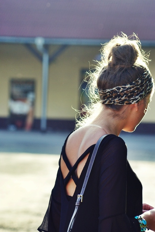how come when if i were to wear a bun with cute clothes i'd look like a slob? hahah.