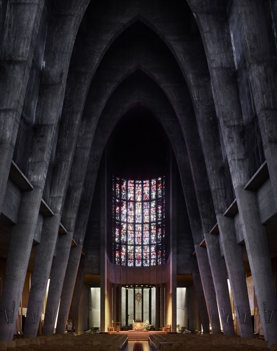 André Remondet's St. Thérèse in Metz, France, completed in 1959. Image ©Fabrice Fouillet