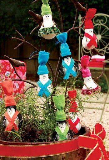 Handmade crafts for Christmas photos.