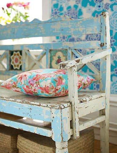 Old bench in turquoise
