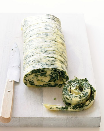 Family-Style Rolled Omelet with Spinach and Cheddar--inventive way to cook the breakfast eggs. Try.