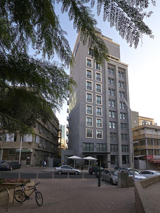 World of #Architecture: Elegant Colorful #Hotel #Interior #Design In Tel Aviv