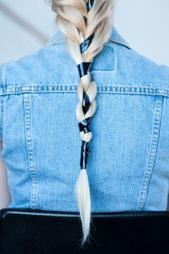 4 easy but totally head-turning DIY hairstyles! Photos by Maria del Rio.