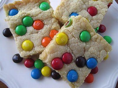 Stephanie Cooks: M Sugar Cookie Bars