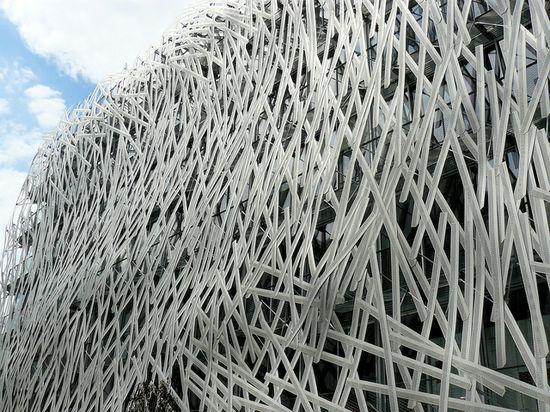 MANNY BUILDING