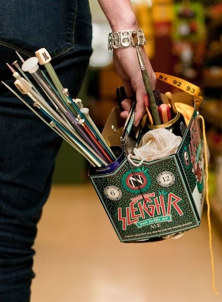 How-To: Six-Pack Craft Caddy #DIY #crafts #beer