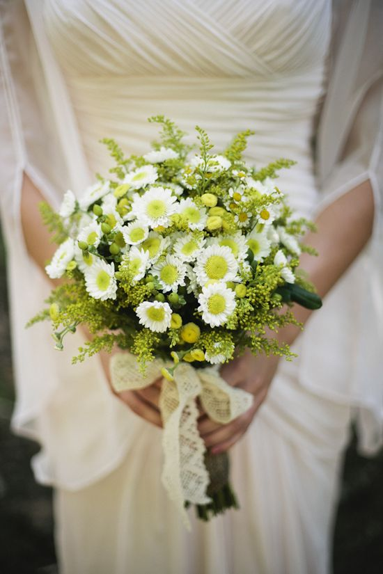 beautiful organic bouquet // photo by katherinelizabeth...