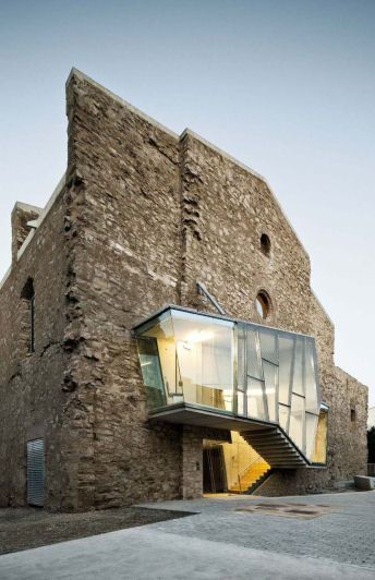 David Closes reinvents the dilapidated Sant Francesc church in Santpedor, Spain