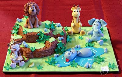 cute wild animal cake