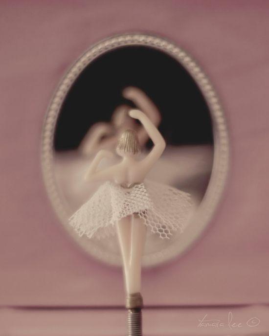 Ballerina Vintage Jewelry Box