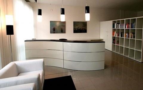 Modern Curved Reception Desk Design Ideas
