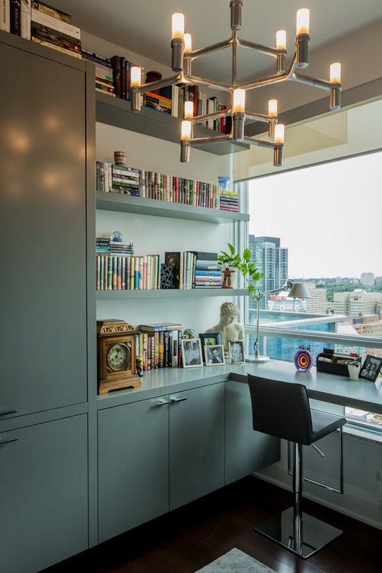 Corner desk layout