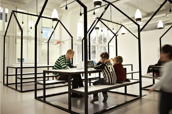 How do you create a school without any walls? In the 30 schools of the Swedish free school organisation Vittra there are no classes or classrooms  Vittra school in Stockholm, Telefonplan, Rosan Bosch Ltd. has created the school's interior with spatial divisions and significant custom design