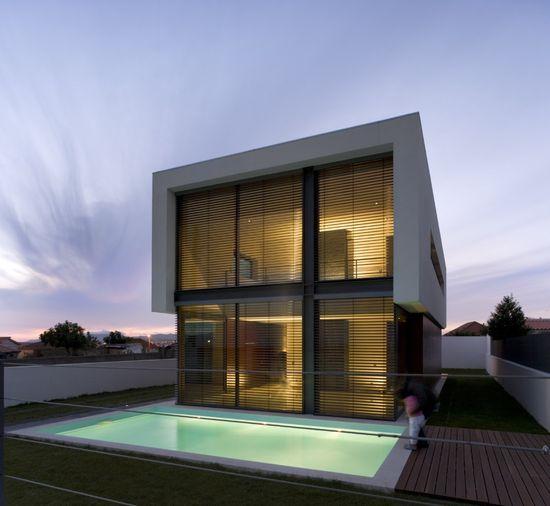 DT House / Jorge Graca Costa