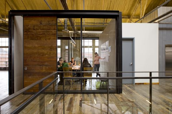 Urban Outfitters Corporate Campus / Meyer, Scherer  Rockcastle