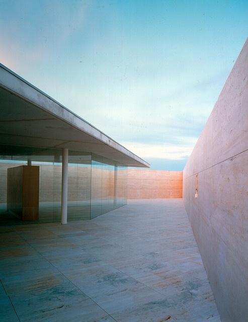 Alberto Campo Baeza / Centre B.I.T. #skyspaces #sky #light #architecture