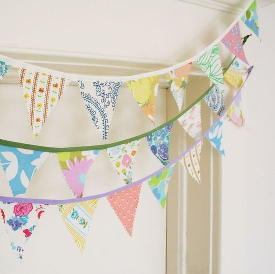 I can make a pennant banner to match the one on the invitation