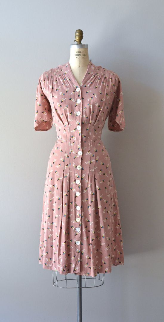 Lovely dusty rose 1930s cotton day dress. #vintage #1930s #fashion #dresses