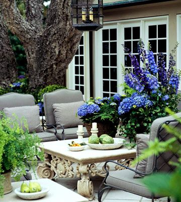 beautiful patio - great table and flowers