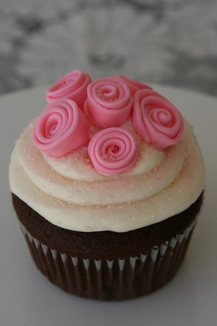 V-Day cupcake