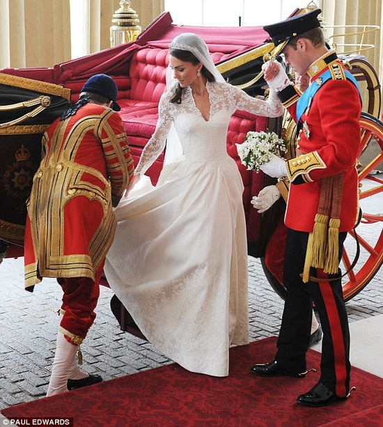 4/29/2011: My two favorite people arrive at Buckingham Palace as a newly married couple