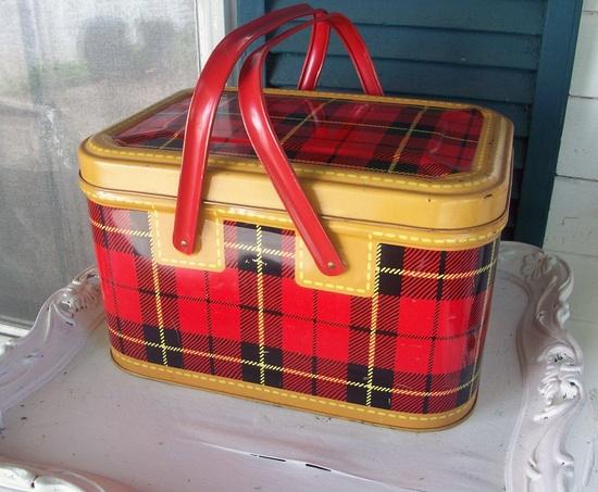 plaid/tin/picnic basket