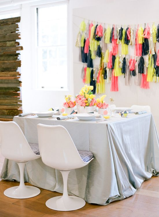 Bright & modern tablescape