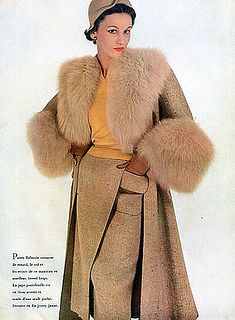 Layers of warm, stylish tweed and fur add up to a classic, gorgeous 1950s winter look. #vintage #fashion #1950s... Dior... ...