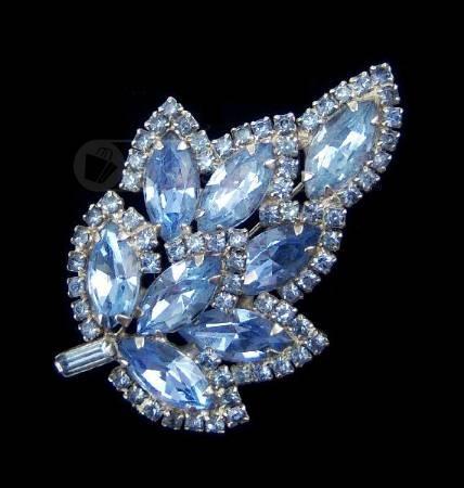 Weiss vintage blue rhinestone brooch