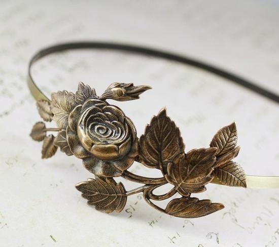 Gorgeous flowery bridal headband.