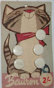 ButtonArtMuseum.com - vintage cat button card