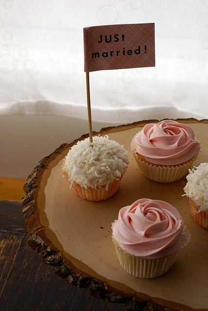 cupcakes just married