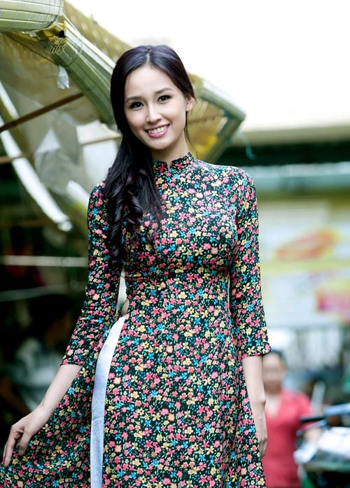 The beauty of Ao Dai - Vietnamese traditional dress