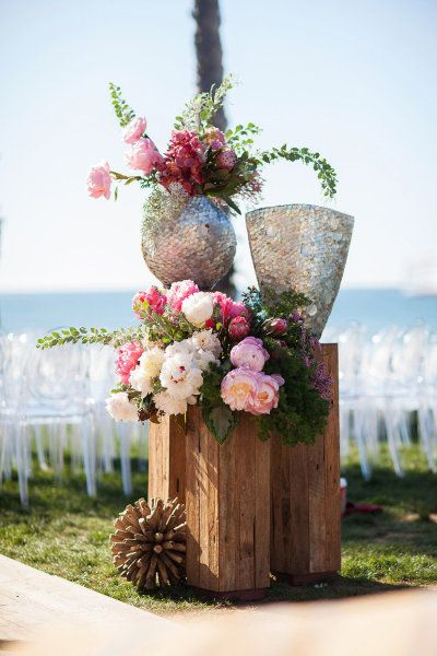 layers of gorgeous blooms Photography by Samuel Lippke Photography / samuellippke.com/studio/index.html, Event Design   Planning by Alchemy Fine Events, Flowers by isariflowerstudio...