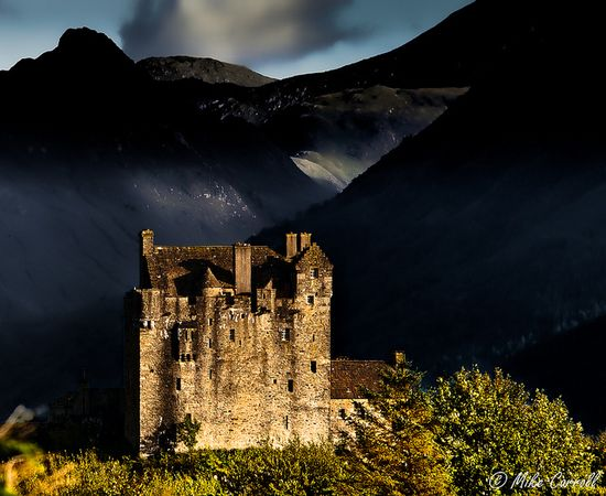 Eilean Donan Castle, Dornie, Scotland. Daydream! ?