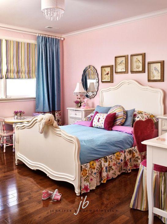 Briar Hill girl's bedroom designed by Jennifer Brouwer Design. #jbd #intdesign #bedroom #girlsbedroom #customdesign #millwork
