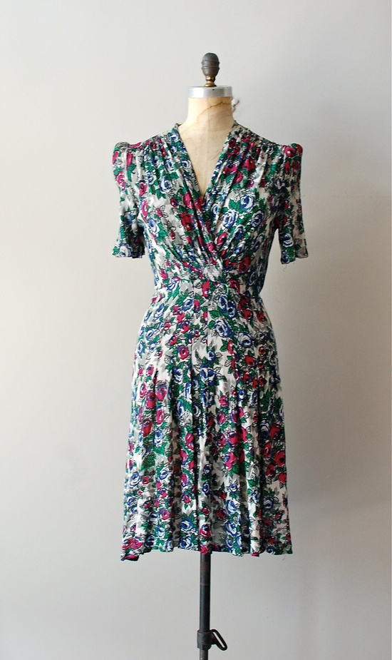 1940s floral dress in rayon
