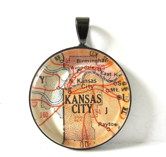 Give the gift of home with vintage map pendants. #countryliving